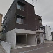 北海道札幌市◆満室稼働中◆土地258.48平米◆3LDK×2戸,2LDK×2戸◆バス停徒歩3分◆満室時利回り 8.21%